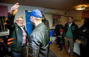 Många ville ge Roger Bengtsson en kram.