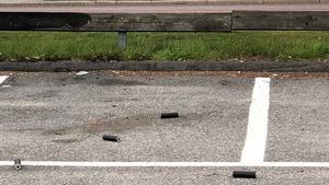 En boende larmade polisen i söndags efter att ha funnit flera märkliga hemmagjorda explosiva föremål på en parkering inte långt från kyrkans festlokal.