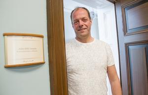 John-Erik Jansson (C) flyttade in på sitt kontor på andra våningen i rådhuset vid årsskiftet.