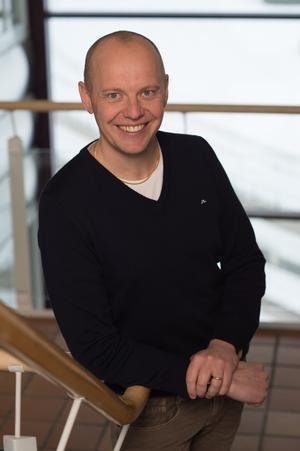 Mattias Stenby lämnar travet centralt i Stockholm för att till en början bli vikarierande sportkoordinator i Östersund. Foto: Kanal 75