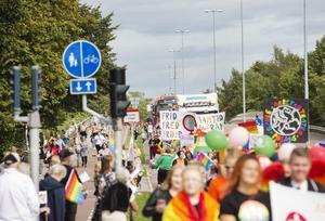 Prideparaden har företräde på gatorna i Gävle på lördag.