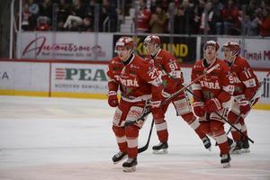 Johannes Kinnvall (nummer 27) kvitterar till 1–1.