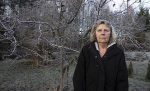 Innan hon blev sjuk jobbade Monica Forsberg som undersköterska på Ängslunda i Arbrå. Innan dess drev hon Arbrågrillen under många år. Nu bor hon i Ljusne.