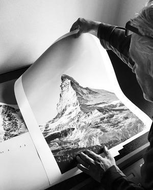Genom sitt fotograferande har hon börjat sälja sina foton som hjälper som dels gör det möjligt för henne att finansiera sin elitsatsning. Foto: Lin Ivarsson