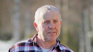 Bert Eriksson, besiktningsman på länsstyrelsen Dalarna, var på plats under tisdagen och inspekterade gården där vargattacken ägt rum.