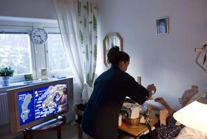 Nämnden bedömer att det behövs 380 nya äldreboendeplatser fram till 2030. För att uppnå detta kommer det krävas både nybyggnation, utbyggnad och konvertering av andra boenden, skriver debattförfattarna.