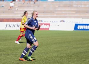 Telge Uniteds Malin Nyberg har hittills gjort tio mål i division 1 södra Svealand – och leder skytteligan.