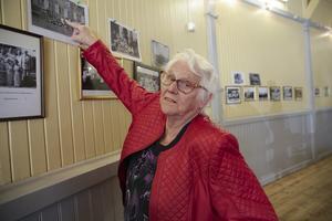 Där är jag, noterade Svea Gustavsson som var en av många unga från Grängesberg som vistades på Öddö sommaren 1943. Borlängekvinnan var nöjd med eftermiddagen; inte minst hade hon träffat på flera gamla vänner och bekanta.