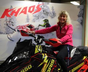 Eva Göransson hann med drygt 300 mil på skoter förra året.