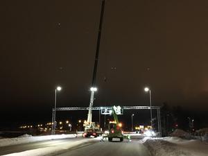 Arbetet på Hanröleden pågår under natten mot tisdag.