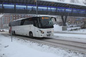 Bussarna mellan Grängesberg och Ludvika är enligt samstämmiga uppgifter svårt utsatta för skadegörelse och busliv. Dalatrafik hoppas att inom kort få rättsligt klartecken för kamerabevakning på bussarna. Kameror skulle ha en både förebyggande och avskräckande effekt, tror Dalatrafik.