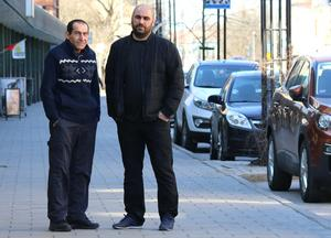 Gabar Younes och Shappe Armaghan har båda varsin butik i centrala Hallsberg. De har också gemensamt att de är kritiska till Hallbo. I synnerhet vd:n Hans Boskär.