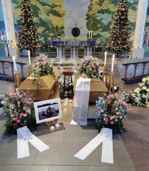 Den 20 december hölls gemensam begravningsceremoni för Bengt-Erik och Svea i Kumla kyrka. Foto: Privat
