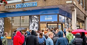 Hudikgymnasiets nya entré i korsningen Drottninggatan / Storgatan.