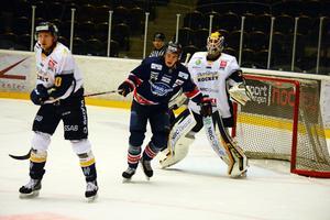 Målvakten Marcus Hellgren storspelade när Borlänge bortaslog Örnsköldsvik Hockey.