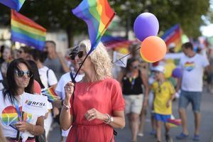 RFSL Sundsvall och Sundsvall Pride är eniga med Viktoria Jansson (M) om att Pride inte ska vara ett tillfälle att smutskasta varandra utan ett forum för konstruktiva samtal och kärlek.