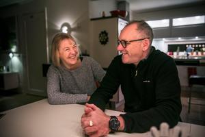 VÖN:s föräldrar Eva–Christina och  Björn Norberg kommer att följa sonen hemifrån under mästerskapet.