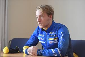 Sebastian Samuelsson tycker att beslutet i sig är bra, men ser också hål i det faktum att idrottare kan ansöka om att tävla under nationell flagg. Bild: Nisse Schmidt/TT.