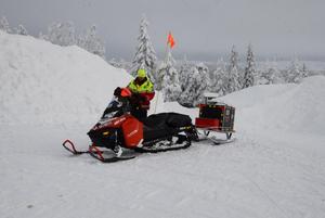 Snöskoter är ett viktigt redskap vintertid för fjällräddningen.