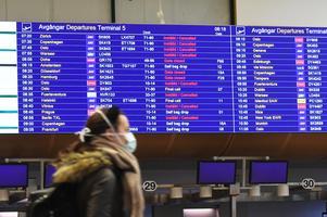 Flygbolag ska ersätta resenärer kontant och inte med så kallade vouchers enligt ARN. Arkivbild från Arlanda tidigare i år. Foto: Fredrik Sandberg/TT