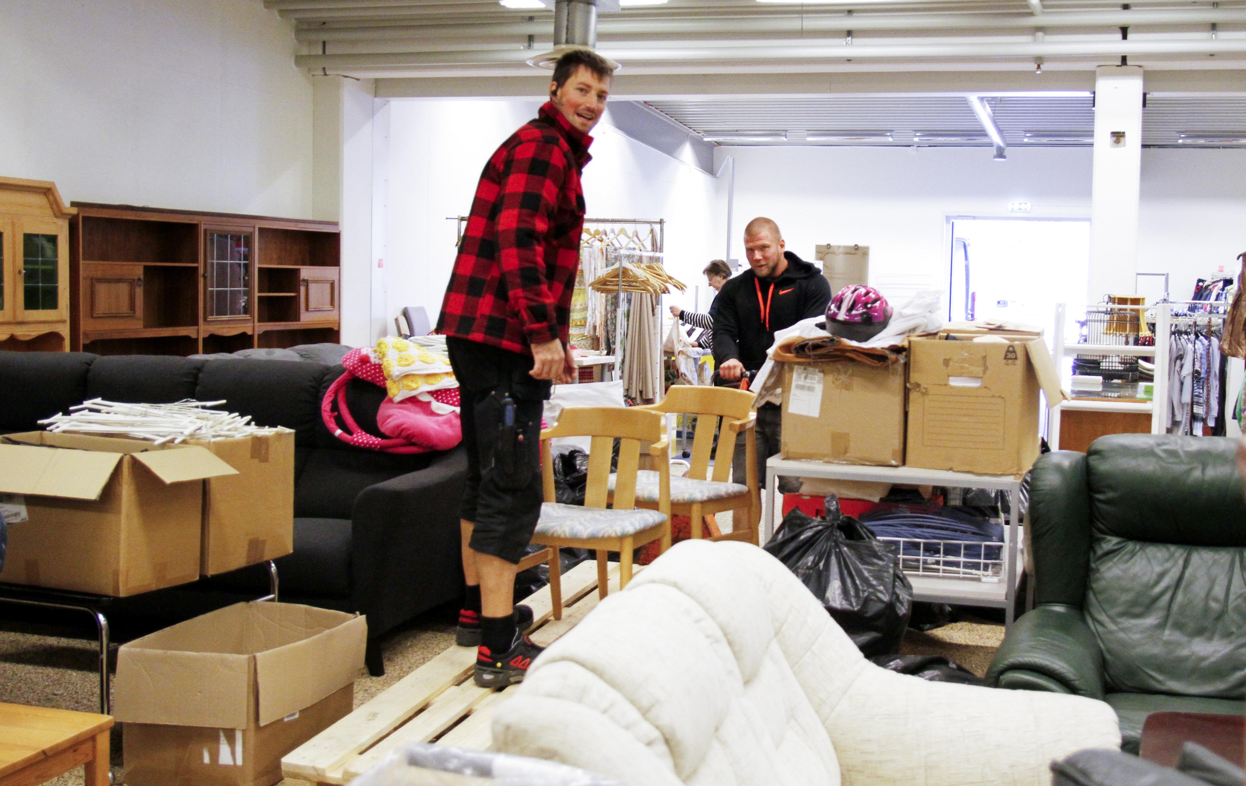 se när folk fyller år Hjälp till liv flyttar till nya lokaler: