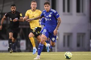 Foto: Erik Mårtensson / TT. GIF Sundsvall-profilen David Batanero ser inte ut att bli kvar i klubben efter degraderingen.
