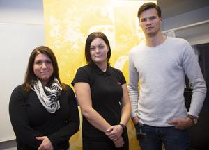 Måndagen 5 november presenterade polisområde Gävleborg fyra av sina sju aspiranter som ska tjänstgöra i en sex månader lång aspiranttjänstgöring. Totalt får Polisen region Mitt ta emot 45 aspiranter. Från vänster i bild Malin Forsberg, Hudiksvall, Emilia Olsson, Bollnäs och Markus Eriksson från Hudiksvall.