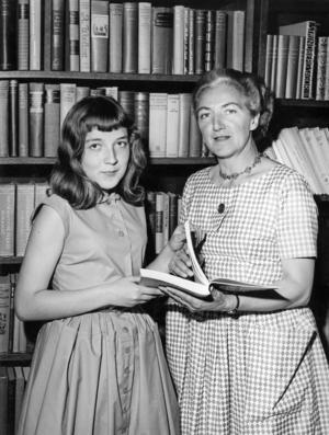 Agda Rössel tillsammans med dottern Marianne 1958. Foto: Reportagebild / TT