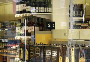 Skribenten vill att Systembolaget öppnar ny butik i Södertälje.