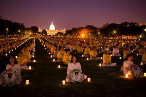 Från en ljusvaka i Washington.
