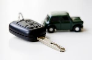 Förslgat om bensinförbud i Dalarna skulle straffa dem som behöver bilen som mest, skriver Katarina Gustavsson. Foto: TT