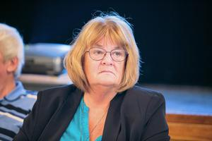 Lena Johansson (S) larmar om hårda prioriteringskrav inom skolvärlden.