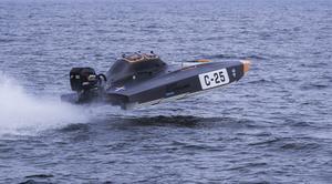 Som ett rymdskepp. Gustaf Lindén och navigatören Kristina Coleman vann SM-deltävlingens C-klass. Foto: Peter Ohlsson/Pickla