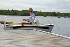 En tur på sjön i den lilla roddbåten.