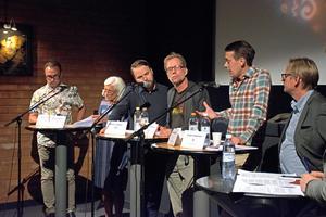 Politisk debatt om konstens framtid i Västerås. Här har oppositionsrådet Jesper Brandberg (L) ordet.Foto: Frida Lundén