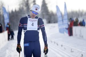 Linus Larsson var riktigt slut när han kom i mål som trea i Wadköpingsloppet, halvminuten bakom segrande Robert Eriksson.