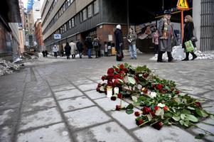 """De flesta av de vittnen som såg mordet och mördaren springa in i gränden, beskriver en man i knälång rock. Ännu 33 år efter mordet vet ingen vem det var och Kari Poutiainen tror aldrig att det klaras upp. """"Just på grund av den internationella kopplingen"""", säger han. Foto: Katarina Hansson"""