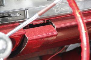 Glitter, glitter... Här i en Cadillac.