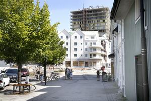 Den gamla stadskärnan och den blivande förlängningen av centrum, binds samman av Sjötullstorget i slutet av Sjötullsgatan.