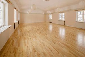 Stora samlingssalen som skulle kunna förvandlas till lägenhet.