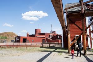 Besökare vid Falu Gruva som finns med på Unescos världsarvslista.   Foto: Ulf Palm / TT /
