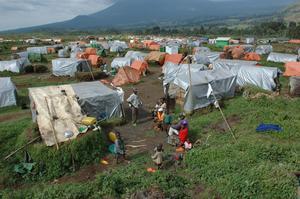 Nära var hundrade människa i världen är på flykt. Här är flyktinglägret Kibumba i Kongo-Kinshasa.