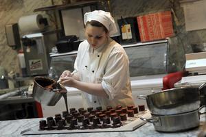 Godsaker under produktion på det berömda kafékonditoriet Demel.