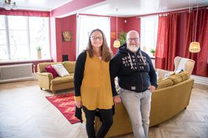 Carin och Yngve Gustafsson har gott om plats i huset som är på 800 kvadratmeter:
