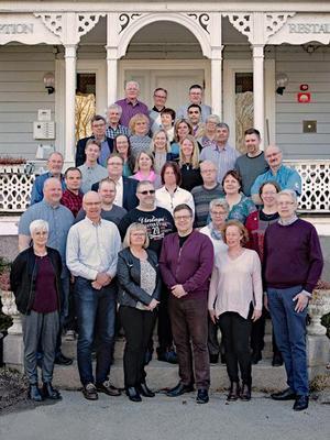 Här syns en stor del av Centerpartiets kandidater till kommunfullmäktige för nästa mandatperiod. Partiet har inte haft några problem med att få folk att ställa upp. Foto: Ida Uddas