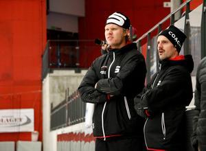 Patrik Allansson Roos har under många säsonger varit hjälptränare hos SAIK. Nu blir han huvudtränare. Här tillsammans med Johan Sandh.