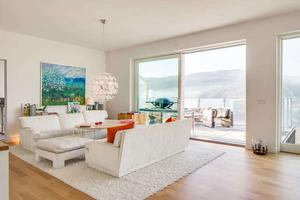 Det här huset på Totthyllan i Åre är byggt 2012 och kostar 9,9 miljoner.
