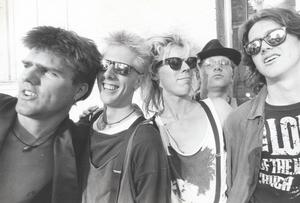 ... För i kväll återuppstår det legendariska punkbandet för som allra sista akt på Hoforsrocken.