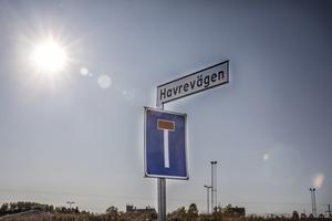 Den u-formade Havrevägen är nyasfalterad och redo att ta emot bebyggelse.