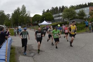 Det fanns två distanser att välja mellan; Helan, 8,5 mil och Halvan, 4,1 mil. Loppen var fördelade på 8-11, respektive 4-6 sträckor.